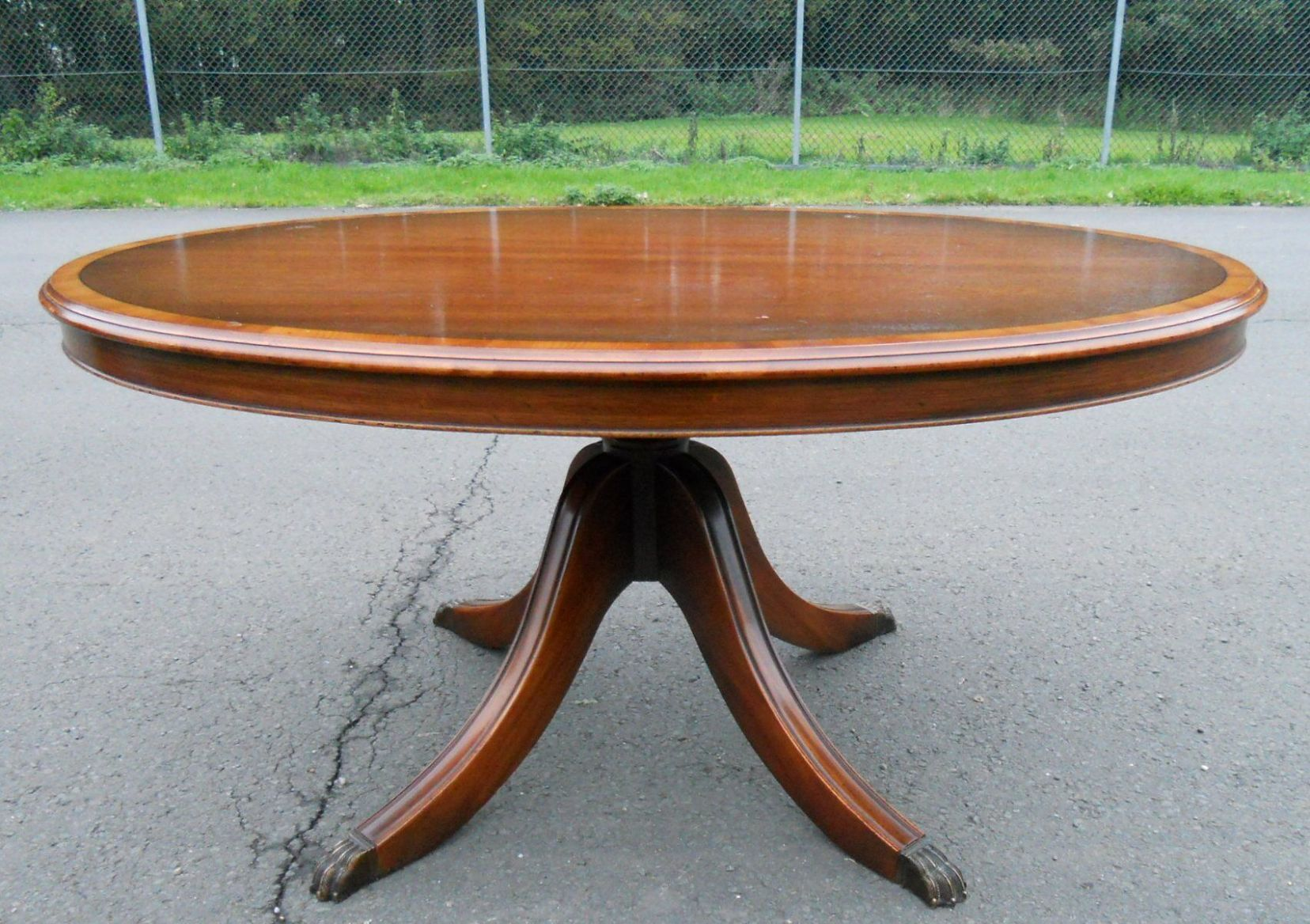 Pedestal coffee table oval dining